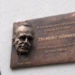 Odsłonięcie tablicy poświęconej Zygmuntowi Hübnerowi